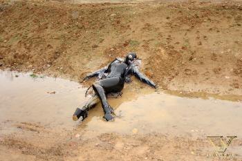 045 - cold mud