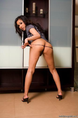 Linda - Horny Model