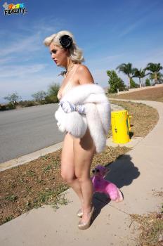 130 Jenna Ivory - Pinup Doll
