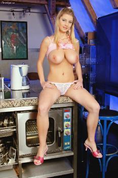 Katerina_Hartlova_2007_11_23_Kitchen_Counter_Knockers