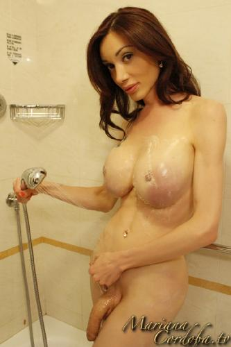 mariana-in-the-shower