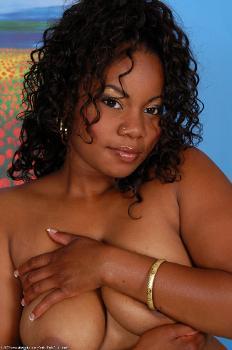 149777 - Maisha thick women