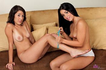 230640 - Lola Foxx lesbian