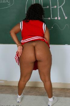 148082 - Maisha thick women