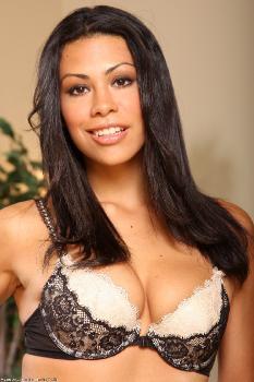 166949 - Cassandra Cruz latinas